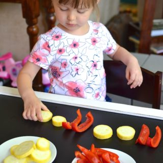 Produce Patterns - Kids learn about and build simple and complex patterns using vegetables! ~sweetpeasandabcs.com
