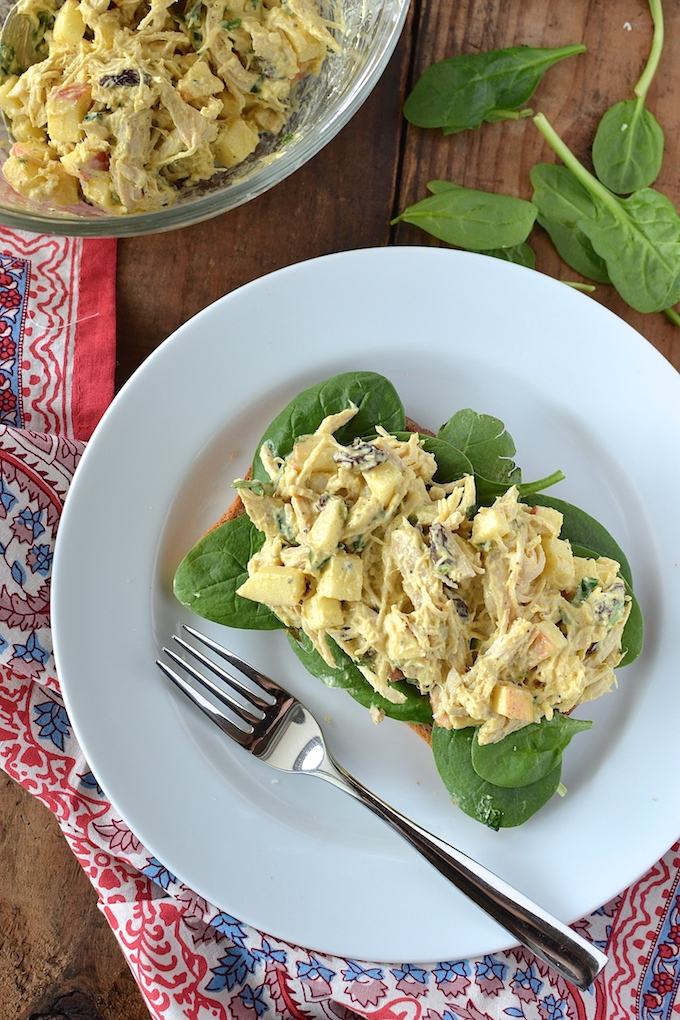 Curry Chicken Salad - With shredded chicken, crunchy apples, chewy raisins and a 3-ingredient (no mayo!) dressing, this is an easy, make-ahead recipe for lunch! ~sweetpeasandabcs.com